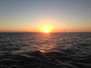 16-10-coucher-de-soleil-en-mer